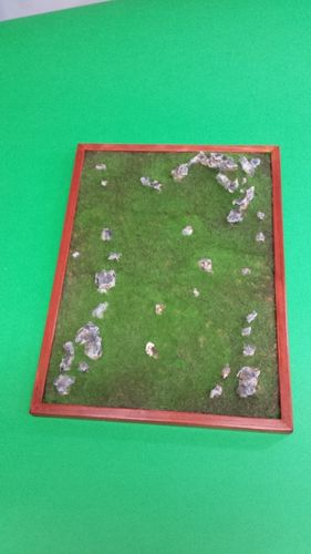 wooden base to place soldiers cm 27x37